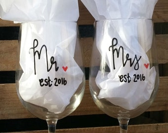 Mr and Mrs Wine Glass Set of 2 | Wedding Wine Glasses | Wedding Gift Marriage Gift | Newly Weds Gift | Anniversary Gift