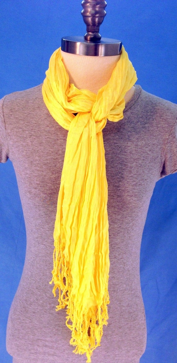 Free shipping and returns on Women's Yellow Scarves & Wraps at custifara.ga