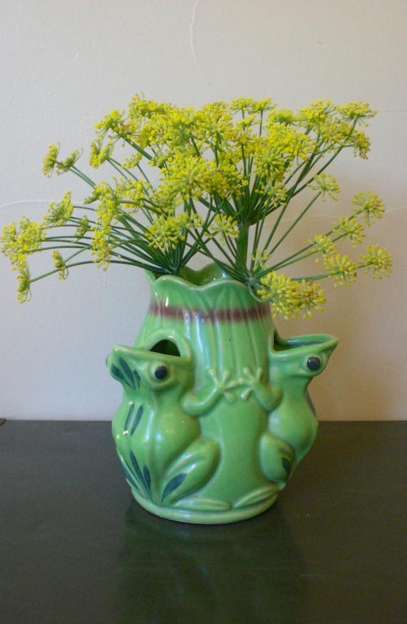 3 Frog Vase Unusual Vintage 1940s Era Pottery Made In Japan
