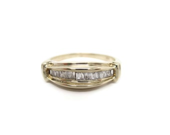 Fine Vintage Handcrafted Baguette Diamond Anniversary Ring 10k Yellow Gold 0.25ct