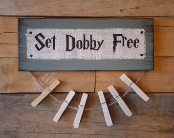 Set Dobby Free Burlap and Wood Sign with Clothespins for Socks, Harry Potter, Free Dobby, Distressed, House Elves, Hogwarts, Missing Socks