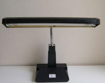 Vintage 1979 Inter-world Enterprises Gooseneck Desk Lamp.