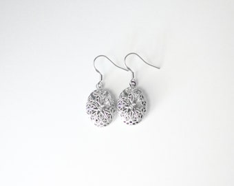 Platinum Lockets - Essential Oil Diffuser Earrings