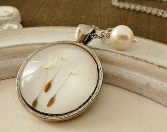 Genuine Fresh Water Pearl Dandelion Necklace Of Glass