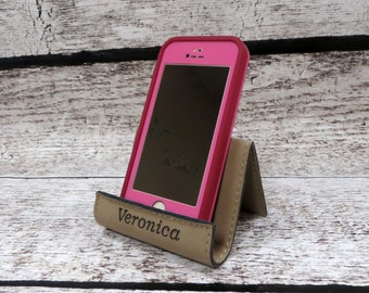 Personalized iPhone Stand, Cell Phone Holder, Smart Phone Stand, Phone Easel, Personalized Gift for Bridesmaids or Groomsmen (GFT235)
