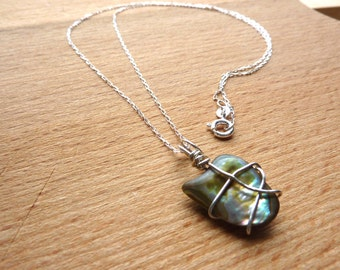 Mother of Pearl Pendant Shell Necklace