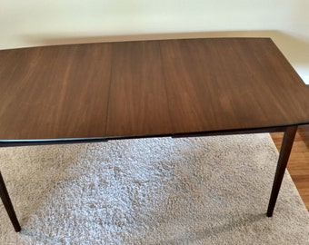 "Mid Century Distinctive Furniture by Stanley  ""American Forum"" Series Dining Table"