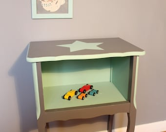 Child bedside table