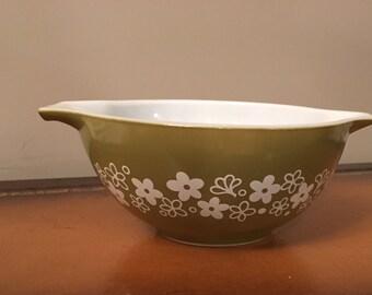 Vintage Crazy Daisy Spring Blossom Avocado Green Pyrex Bowl 442 Cinderella Handles