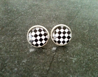 Checkered earrings, rockabilly earrings, black and white, retro stud earrings, 50's jewelry, hypoallergenic, funny earrings, plaid earrings