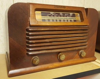 Vintage 42-322 1942 Philco Wooden Tube Radio Non functioning For Looks Or Restore