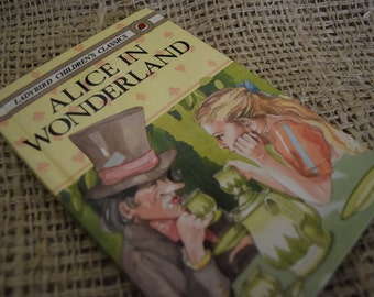 Alice in Wonderland. Lewis Carroll.A Ladybird Children's Classics