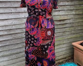 Gorgeous GOTHIC PAISLEY 70s MAXI Dress
