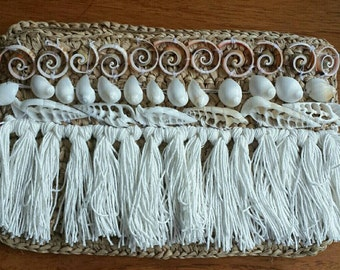 Raffia clutch with detailed tassels and shells, raffia wallet, beach style purse