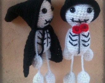 Halloween Ornaments - Two Skeletons