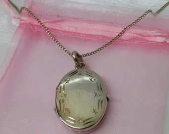 Charming, old 800 silver Medallion SK617