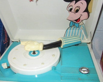 Vintage (c.1960s) GM Youth Mickey Mouse Turntable | record player | phonograph. Working order.
