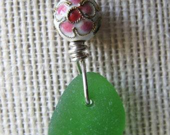 Pretty Kelly Green Sea Glass Necklace/Vintage Enamel Bead/Pendant/Sterling Wire/Jewelry/Artsy Urban Boho/Maine/Sea Swag