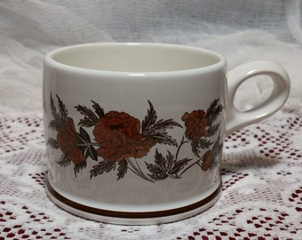 8 Wedgwood Peony Design Tea or Coffee Cups