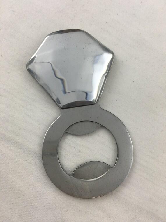 bottle opener ring hen favour