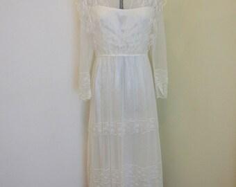 Rustic Original Lace Vintage Wedding Dress Size 12