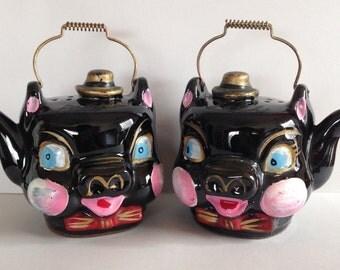 Vintage Thames Redware Kettle Salt & Pepper Pig Shakers Made in Japan