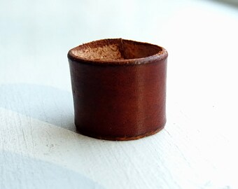 Wide leather ring unisex brown / brown vegetable tanned leather  / 3rd anniversary gift
