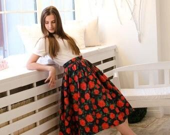 Floral midi skirt/Red roses skirt/Vintage woman skirt