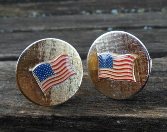 Vintage American Flag Brushed Gold Cufflinks. 1960's. Gift For Dad, Mom, Wife, Husband.