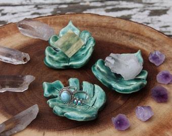 Ceramic Leaf Ring Tray (small)