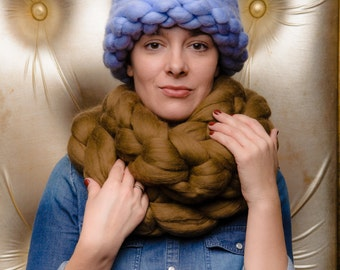 Super Chunky Hat, Hand knit Hat, Slouchy Hat, 18 microns Merino Wool.