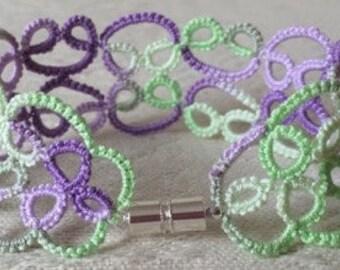 Lace Bracelet: Iris