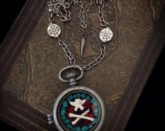Pocket watch terrarium necklace // gothic locket