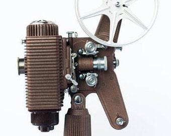 Vintage 1940s Revere Model 85 8mm Movie Projector hard shell case - Works