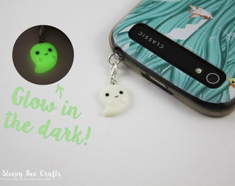 Halloween Ghost Charm, Halloween Accessory, Glow in the Dark Charm, Kawaii Dust Plug, Fall Cham, Polymer Clay Charm, Kawaii Charm, Gift Idea