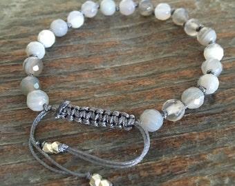Gray Agate Adjustable Bracelet, Mini Mala, Bead Bracelet, Yoga Jewelry, Healing Crystals, Gemstone Bracelet, knotted bead bracelet