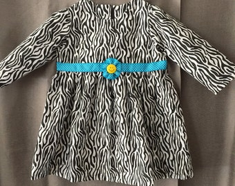 black and white long sleeve dress size 18 mo.