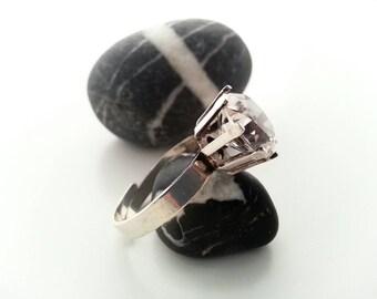 Swedish Bengt Hallberg modernist sterling silver ring. Adjustable