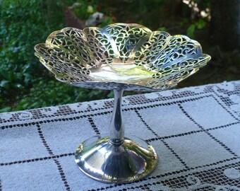 International Silver Company Lovelace design Pedestal Nut, Candy Dish, silver plate