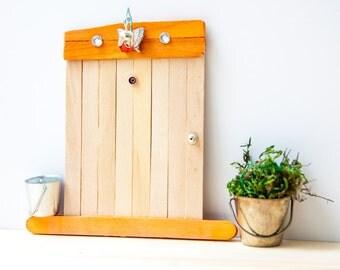 Rustic Orange mini gate with lamp