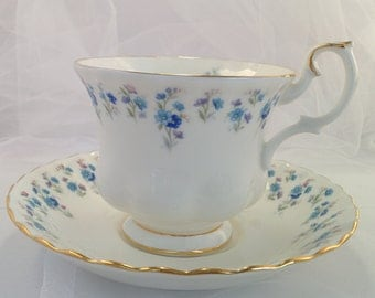 Memory Lane - Royal Albert tea cup and saucer set, blue and white flowers multiples available forget me nots tea part Royal Albert England