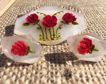 Vintage Reverse Carved Lucite Brooch and Screw-back Earrings Set