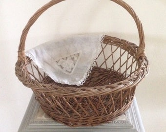 Old cross days, French basketry Wicker round basket