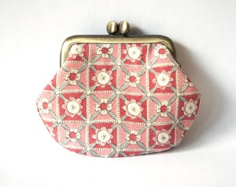 Japanese Frame Coin Purse,Japanese Fabric, Pink Flowers,Antique Gold Colour Metal Frame