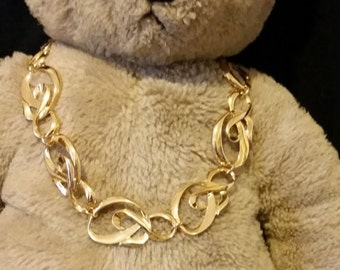 Vintage 80s Gold tone Ampersand look necklace