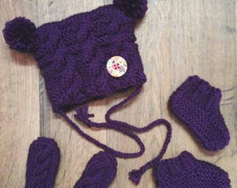 Whole toque, mittens and slippers 0-3 months
