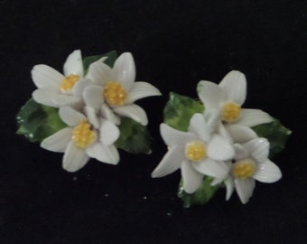 Delicate Vintage Porcelain Daisy Cluster Earrings - Made in England circa 1960s