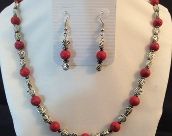 Necklace and earrings - Red marble