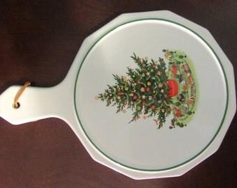 Vintage Pfaltzgraff Christmas Heritage Hot Plate/Wall Decor