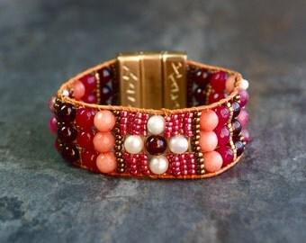 Cuff Bracelet woven in semi-precious stones.